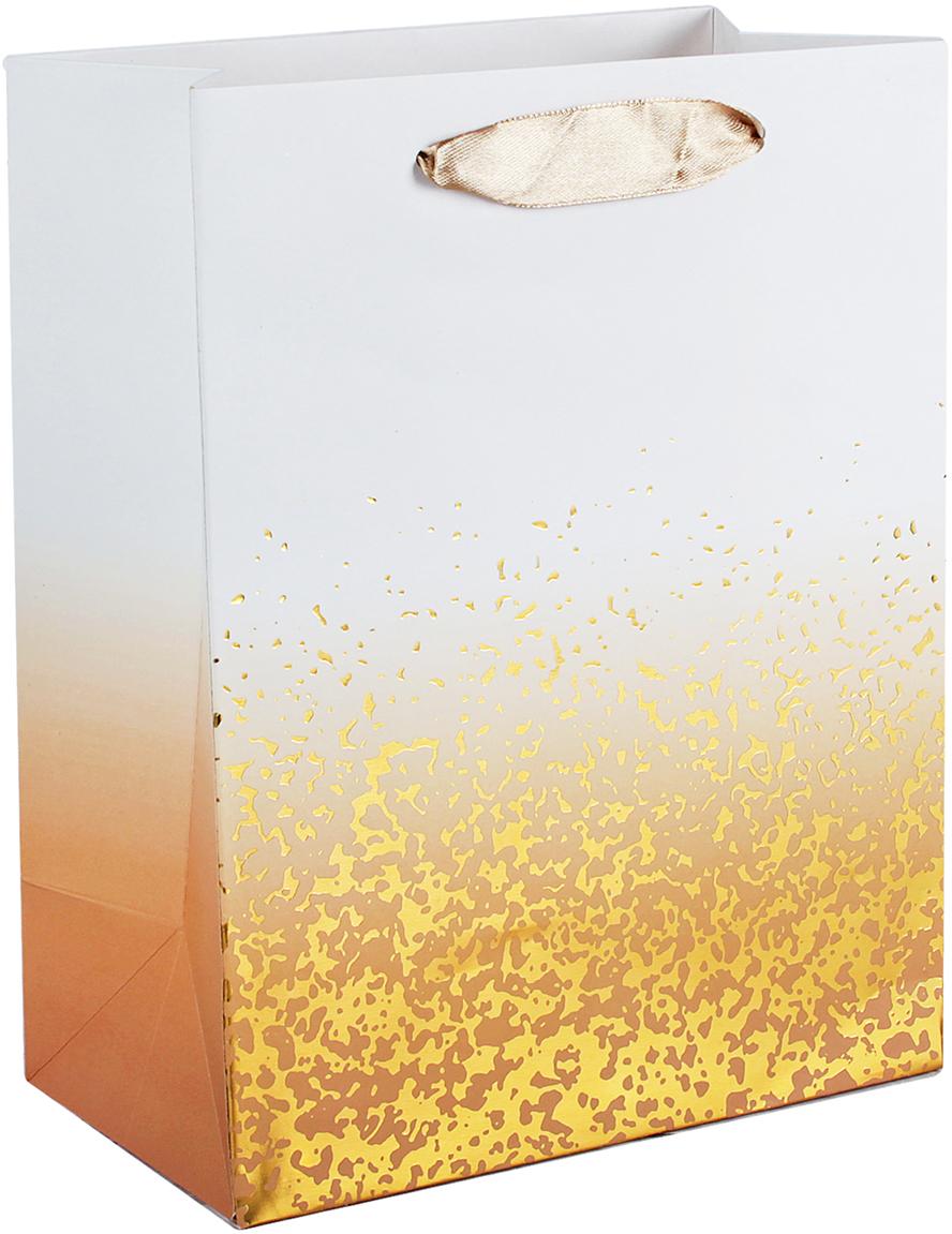 Пакет подарочный Люкс, цвет: золотой, 32 х 26 х 12 см. 26244182624418Любой подарок начинается с упаковки. Что может быть трогательнее и волшебнее, чем ритуал разворачивания полученного презента. И именно оригинальная, со вкусом выбранная упаковка выделит ваш подарок из массы других. Она продемонстрирует самые теплые чувства к виновнику торжества и создаст сказочную атмосферу праздника. Пакет подарочный, люкс - это то, что вы искали.