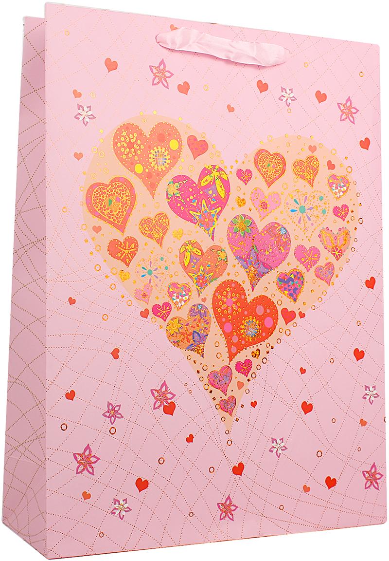 Пакет подарочный Люкс. Сердца, цвет: розовый, 31 х 42 х 12 см. 26544182654418Любой подарок начинается с упаковки. Что может быть трогательнее и волшебнее, чем ритуал разворачивания полученного презента. И именно оригинальная, со вкусом выбранная упаковка выделит ваш подарок из массы других. Она продемонстрирует самые теплые чувства к виновнику торжества и создаст сказочную атмосферу праздника. Пакет подарочный Сердца, люкс - это то, что вы искали.