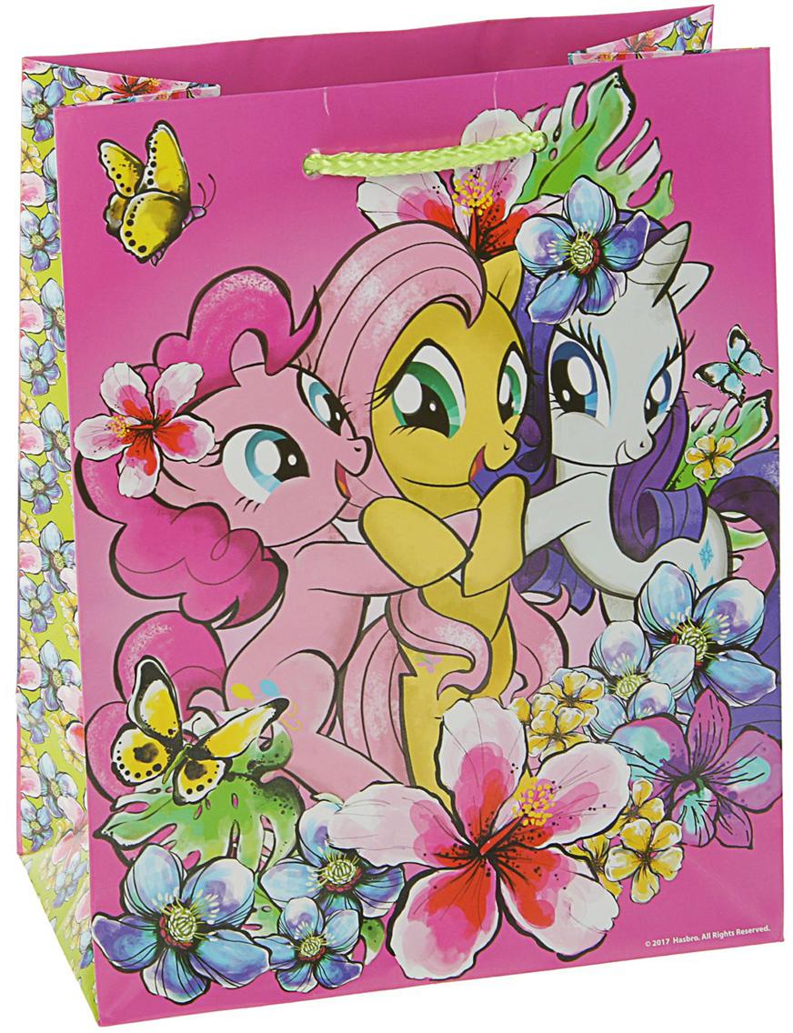 Пакет подарочный My Little Pony Пинки Пай, цвет: мультиколор, 23 х 18 х 10 см. 28114212811421Любой подарок начинается с упаковки. Что может быть трогательнее и волшебнее, чем ритуал разворачивания полученного презента. И именно оригинальная, со вкусом выбранная упаковка выделит ваш подарок из массы других. Она продемонстрирует самые теплые чувства к виновнику торжества и создаст сказочную атмосферу праздника - это то, что вы искали.
