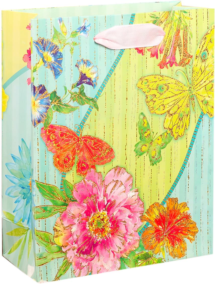"""Любой подарок начинается с упаковки. Что может быть трогательнее и волшебнее, чем ритуал разворачивания полученного презента. И именно оригинальная, со вкусом выбранная упаковка выделит ваш подарок из массы других. Она продемонстрирует самые теплые чувства к виновнику торжества и создаст сказочную атмосферу праздника. Пакет подарочный """"Бабочки и цветы"""" - это то, что вы искали."""