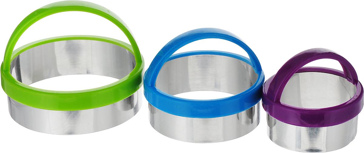 Набор форм для вырезания печенья Доляна Круг, цвет: голубой, зеленый, фиолетовый, 7 х 4,5 см, 3 шт1045253_голубой, зеленый, фиолетовыйОт качества посуды зависит не только вкус еды, но и здоровье человека. Набор форм для вырезания печенья 3 шт: d=7 см/5,5 см/4,5 см, цвет — товар, соответствующий российским стандартам качества. Любой хозяйке будет приятно держать его в руках. С нашей посудой и кухонной утварью приготовление еды и сервировка стола превратятся в настоящий праздник.