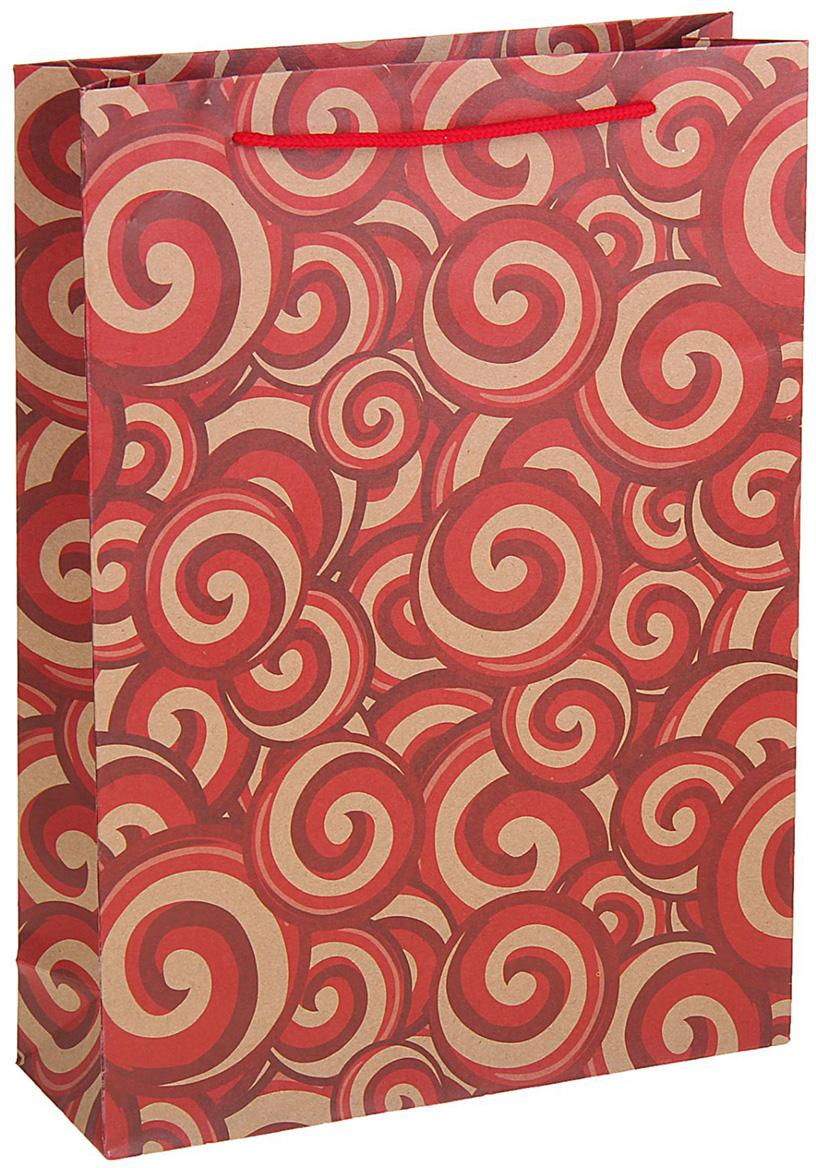 Пакет подарочный Завитки, цвет: красный, 24 х 8 х 33 см. 12583781258378Любой подарок начинается с упаковки. Что может быть трогательнее и волшебнее, чем ритуал разворачивания полученного презента. И именно оригинальная, со вкусом выбранная упаковка выделит ваш подарок из массы других. Она продемонстрирует самые теплые чувства к виновнику торжества и создаст сказочную атмосферу праздника. Пакет-крафт Завитки - это то, что вы искали.