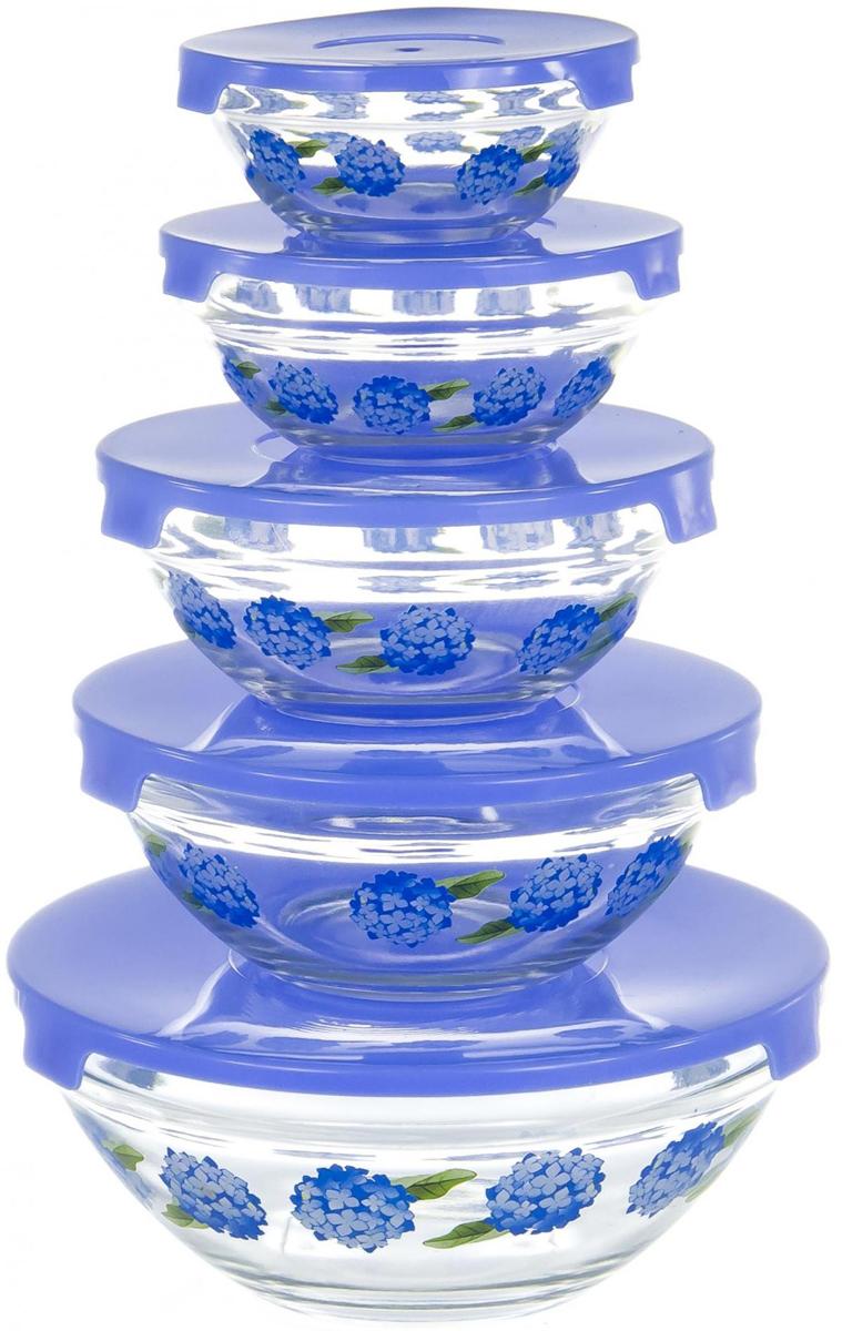 """Набор салатников """"Olaff"""" специально создан для любителей готовить и истинных гурманов. Ваши кулинарные эксперименты надолго сохранят вкус и запах благодаря плотно закрывающейся крышке! Согласитесь, такой набор салатников порадует своей функциональностью! набор 5 салатников d-100мм, 103мм, 125мм, 140мм, 170мм с пластик.крышками, подарочная упаковка"""