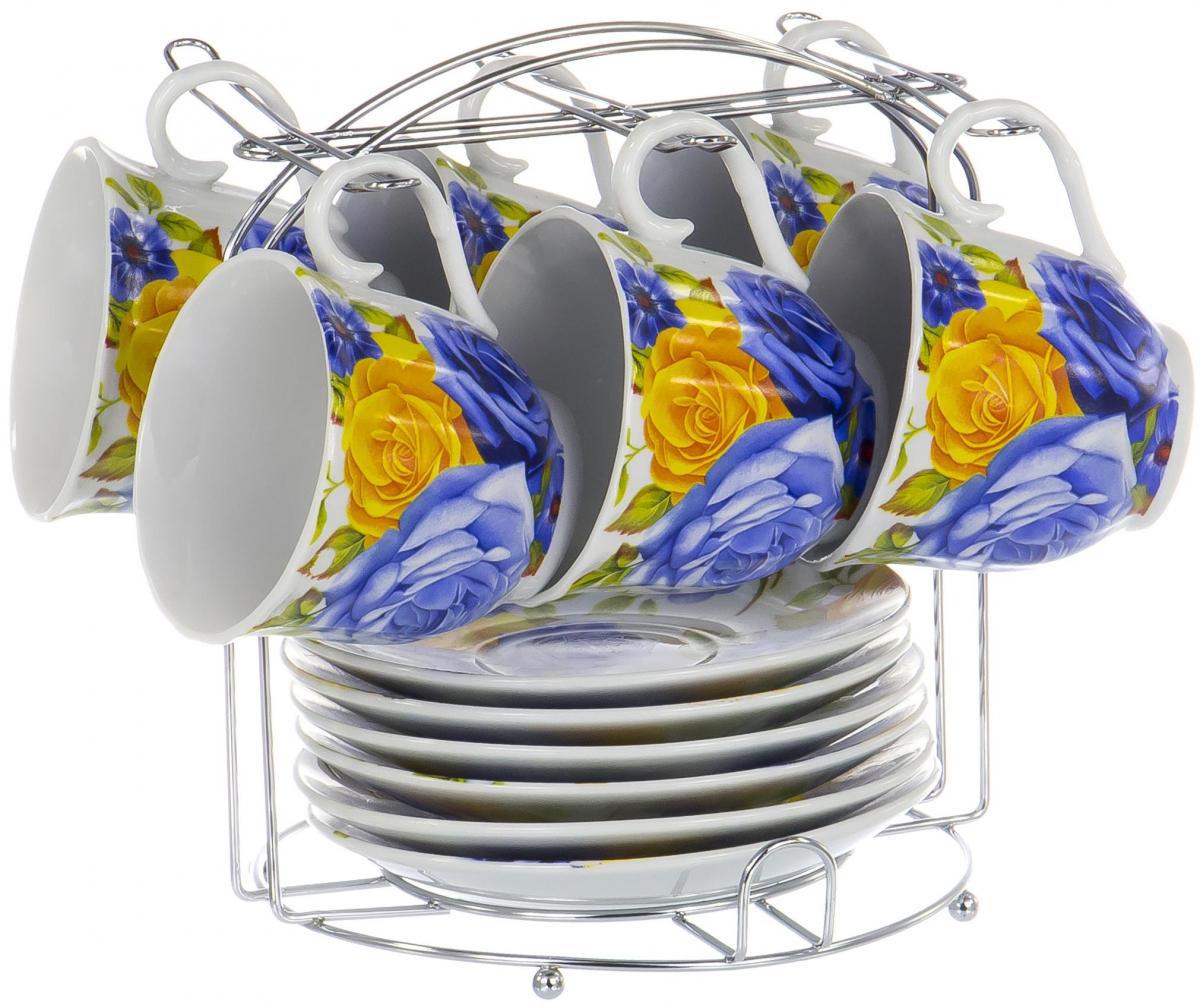 Набор чайный Olaff Metal Stand, 13 предметов. DL-F6MS-196DL-F6MS-196Чайный набор Metal Stand на шесть персон включает в себя шесть чашек 220 мл, шесть блюдец и металлическую подставку для удобного хранения, которая позволит сэкономить место на кухне. Посуда выполнена из качественного фарфора и декорирована жизнерадостным цветочным рисунком. Демократичный набор для повседневного использования и семейных посиделок.