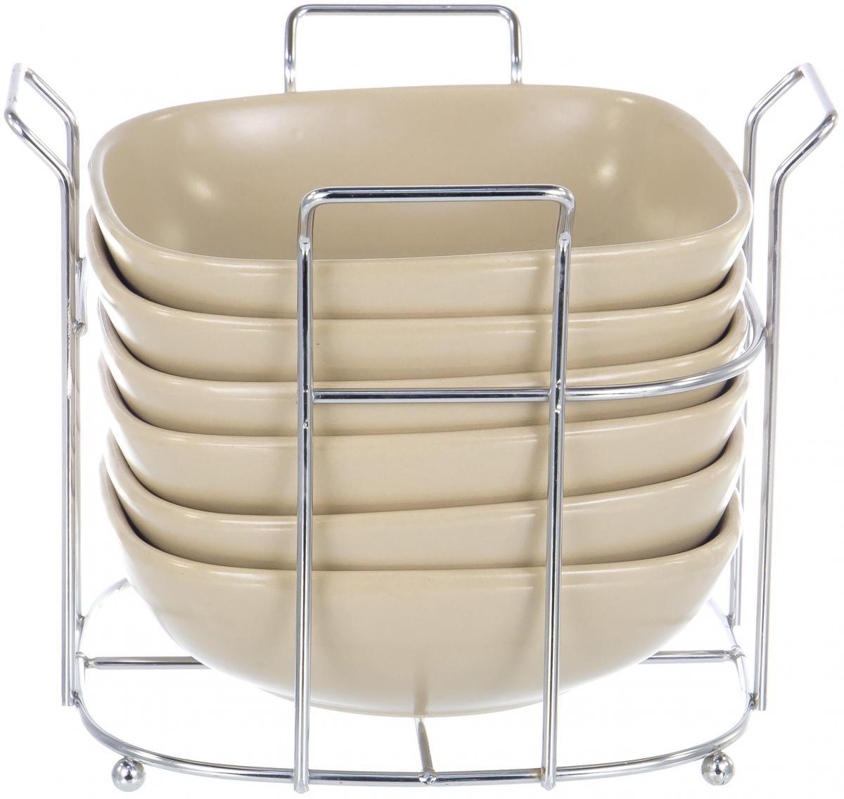 """Набор Elrington """"Моно"""" состоит из подставки и шести круглых салатников,  выполненных из высококачественной экологически чистой керамики. Этот  материал безопасен для здоровья, не содержит примесей кадмия и свинца.   ВВ комплекте - металлическая подставка с хромированным покрытием. Набор прекрасно подойдет для сервировки различных блюд. Яркий дизайн  украсит стол и порадует вас и ваших гостей."""