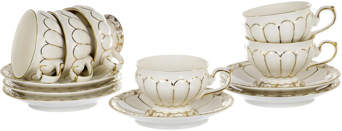 """Чайный набор """"Цветы"""" на шесть персон включает в себя шесть чашек 220 мл и шесть блюдец. Посуда выполнена из фарфора и декорирована золотым орнаментом. Превосходный набор для семейных чаепитий и торжеств."""