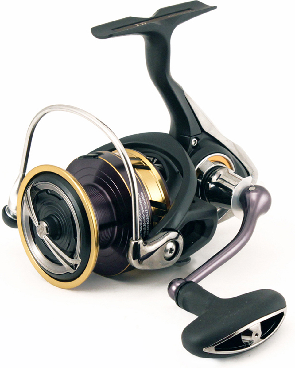 Катушка рыболовная Daiwa 17 Legalis LT 3000-C-XH, безинерционная
