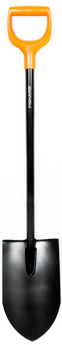 Лопата Fiskars Solid, для земляных работ1026684Лопата Fiskars серии Solid предназначена для продолжительной работы в садуи огороде. Лопата хорошо подходит для перекопки каменистой, глинистой итвердой почвы. Удлиненное лезвие позволяет глубоко проникать в почву иперерезать корни. Рукоятка в форме буквы D подойдет для руки любогоразмера, а также для работы в перчатках и без. Сварное соединение междулезвием и черенком гарантирует надежность и долговечность. Использованиеборсодержащей стали придает лопате дополнительную жесткость иобеспечивает легкое проникновение в почву.