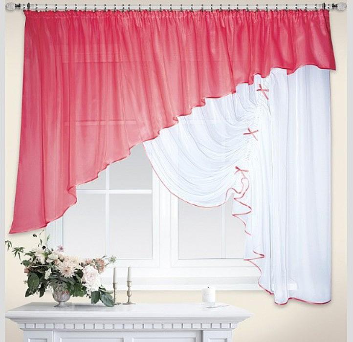 Шторы из легкой, воздушной вуалевой ткани великолепно выглядят в большинстве интерьеров, привнося в них изящество и элегантность. В отличии от органзы вуаль обладает плотной структурой и особой мягкой фактурой.