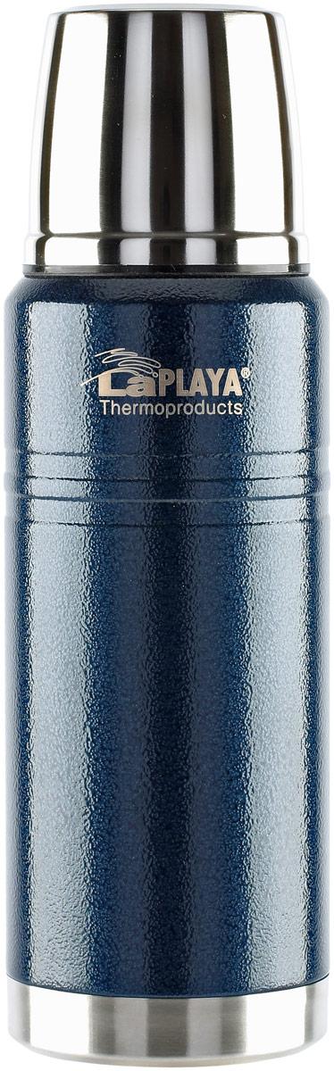 """Термос LaPlaya Work Bottle, цвет: синий, 0,75 л560107Отличием серии Work несомненно является дизайн с использованием молотковогопокрытия, устойчивого к случайным царапинам, создающий эффект «асфальтовой крошки».Поэтому такой термос удобно использовать в рабочих условиях как на улице, так и впомещении. Термосы изготовлены с применением технологии глубокой вакуумизации, чтопозволяет поддерживать температуру горячих напитков на уровне 70 °C до 10 часов. Особо отметим автоматическую пробку-стоппер с механизмом """"open/close"""" для удобства виспользовании. Пробка полностью разборная и легко чистится. Обе части пробки оснащенысиликоновыми кольцами, что обеспечивает 100% герметичность термоса. Термос серии Work надежный, технологичный и очень практичный в использовании.Выполнен из стали 18/8 снаружи и внутри."""