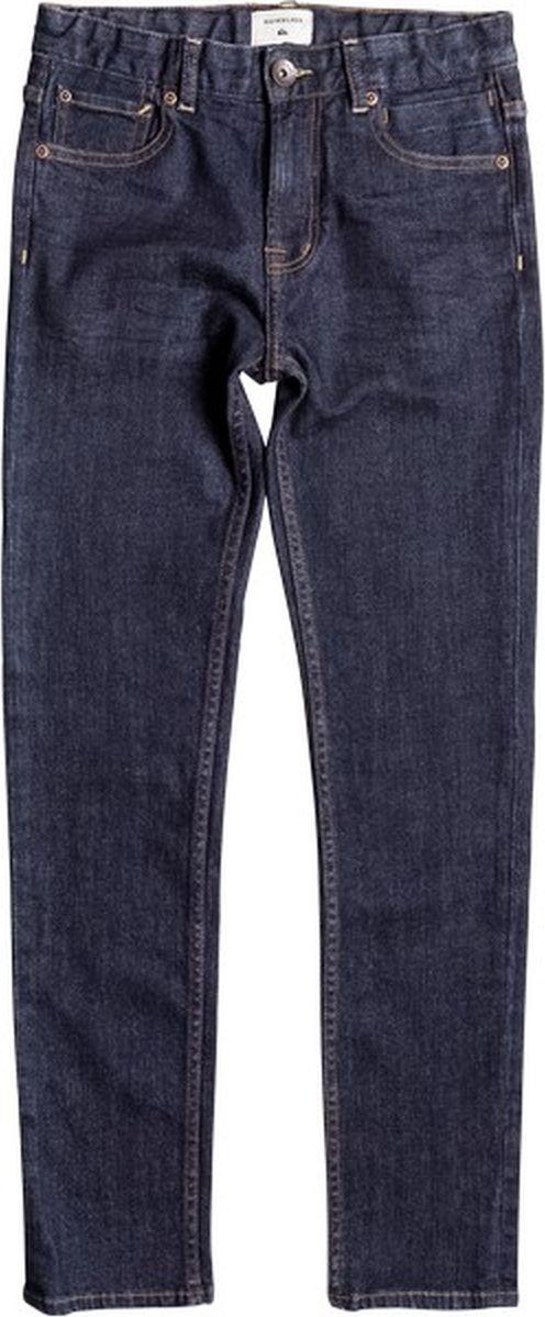 Джинсы для мальчика Quiksilver, цвет: синий. EQBDP03134-BSNW. Размер 134/140EQBDP03134-BSNWСтильные джинсы для мальчика Quiksilver выполнены из качественного эластичного хлопка. Джинсы прямого кроя и стандартной посадки на талии застегиваются на пуговицу и имеют ширинку на застежке-молнии. На поясе имеются шлевки для ремня. Модель представляет собой классическую пятикарманку с тканевой подкладкой: два втачных и один маленький накладной кармашек спереди и два накладных кармана сзади.