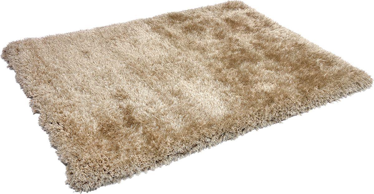 Благодаря высокой износоустойчивости полиэстера ковер можно стелить не только в гостиной и спальне, но и в зонах с высокой проходимостью, например, в коридоре, прихожей и на лестнице. Устойчив к образованию пятен, цвет не выгорает под воздействием солнечных лучей, хорошо держит тепло, очень мягкий и приятный на ощупь. Высота ворса 8 см. Материал: ворс: полиэстер, подложка: хлопок.
