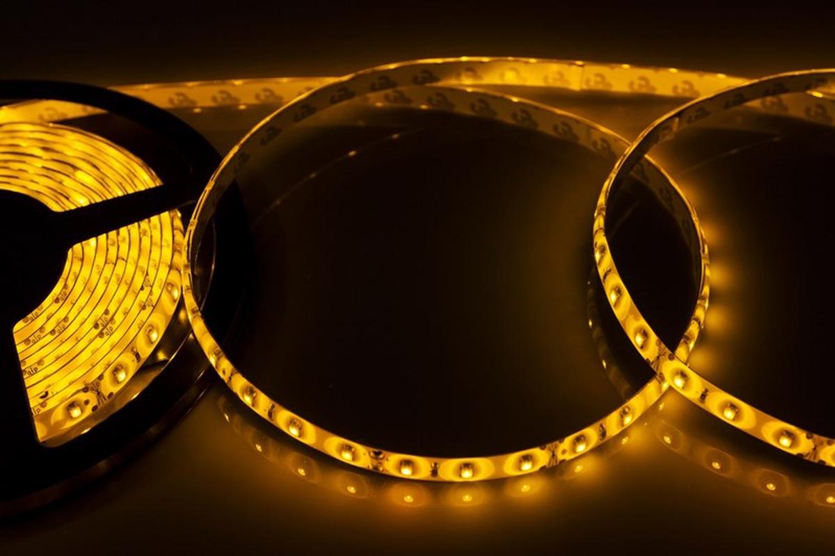 Светодиодная лента Neon-Night SMD 3528, силикон, 8 мм, IP65, 60 LED/m, 12V, цвет: желтый