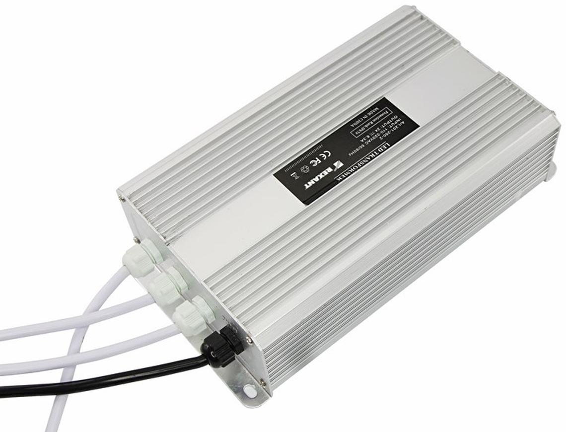 Блок питания для светильника Rexant, 8,33А, 200W, с проводами, влагозащищенный201-200-2Источник питания можно использовать не только для LED продукции, но и для систем безопасности, видеонаблюдения и питания любых других низковольтных систем. Данная модель имеет мощность 200 Вт и провода для подключения.