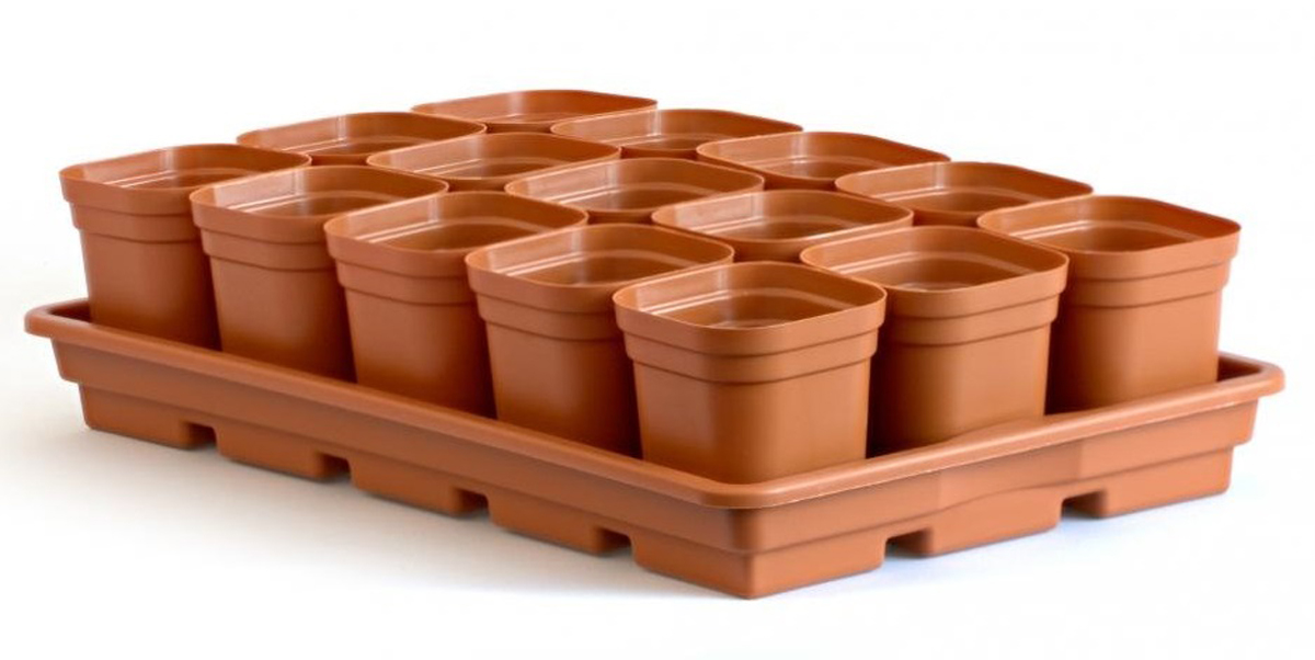 Набор предназначен для выращивания рассады, горшочки имеют выдвижное дно, что позволяет легко пересаживать рассаду в открытый грунт не травмируя корневую систему.