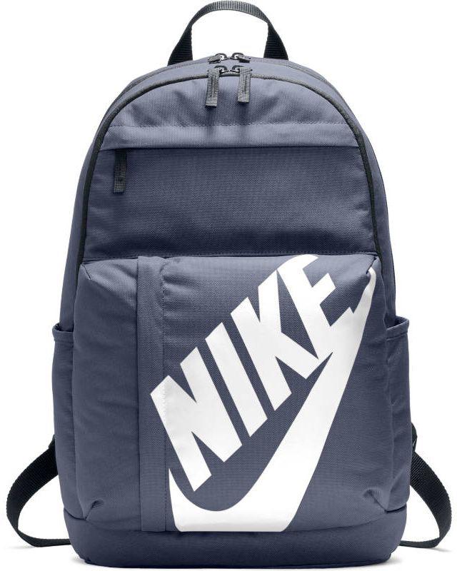 Рюкзак Nike Sportswear Elemental, цвет: синий. BA5381-471BA5381-471Unisex Nike Sportswear Elemental Backpack КЛАССИЧЕСКИЙ ДИЗАЙН. НАДЕЖНОЕ ХРАНЕНИЕ. Рюкзак унисекс Nike Sportswear Elemental — новая версия классической модели. Это прочная конструкция с двумя большими отделениями и двумя внешними карманами для хранения мелочей, а также мягкими лямками для поддержки и комфорта. Большое основное отделение с двойной молнией для надежного хранения. Несколько карманов для удобного хранения. Большой принт с логотипом Nike на переднем кармане. Карман на молнии спереди для удобного и надежного хранения мелочей. Мягкие лямки и задняя вставка для поддержки. 100% ПОЛИЭСТЕР