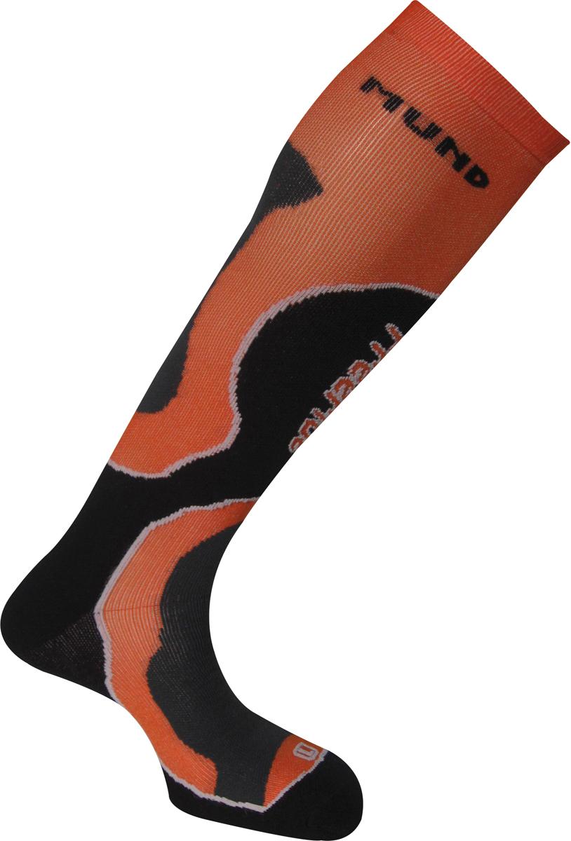 Термоноски Mund FreeRide, цвет: черный, оранжевый. 350_15. Размер 34/37350_15Высокие эластичные носки от Mund для катания на лыжах. Для любой погоды. Волокно Meryl Skinlife, благодаря обработке частицами серебра, предотвращает возникновение неприятных запахов, аллергии, раздражение и распространение бактерий, выделяемых с потом. Изделия, произведенные с помощью данных волокон, очень комфортны и тактильно приятны. Кроме того, волокна Meryl Skinlife отлично выводят влагу с Вашего тела, оставляя его в тепле и сухости. Носок содержит лайкру для компрессионного эффекта и оптимального облегания ноги и полиамид для прочности.