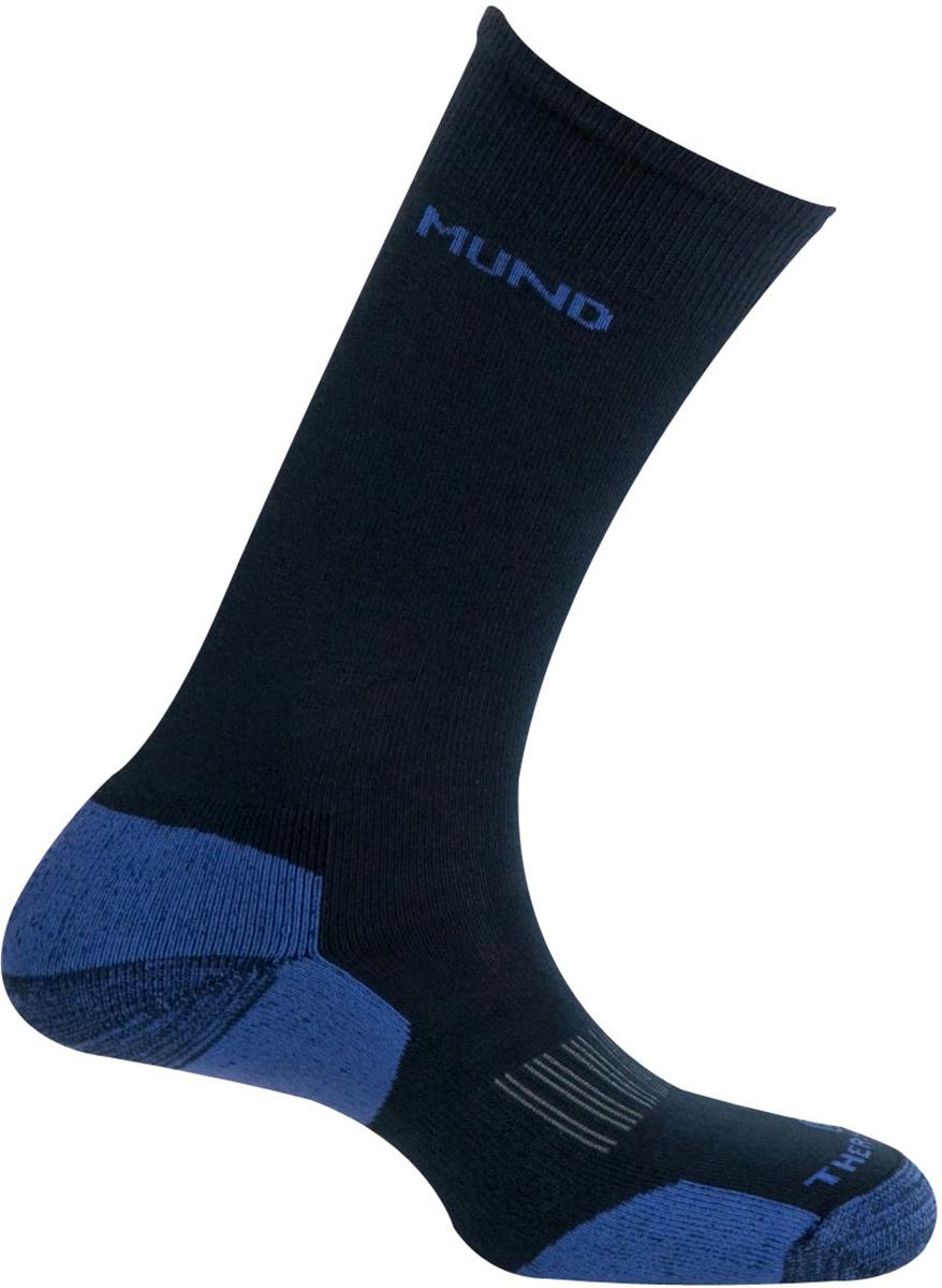Термоноски Mund Cross Country Skiing, цвет: темно-синий. 316_2. Размер 31/35316_2Высокие мягкие носки специальной конструкции, идеальны для лыжных прогулок, горных лыж и прочих видов активного отдыха в зимний период. Сохраняют тепло при температуре до -25°С. Использование специальных спиралевидных и полых внутри волокон Thermolite обеспечивает комфорт сухого тепла, а так же отведение влаги с поверхности ступни. Сохраняет свои согревающие свойства во влажном состоянии. Носок содержит минимальное количество лайкры для оптимального облегания ноги.