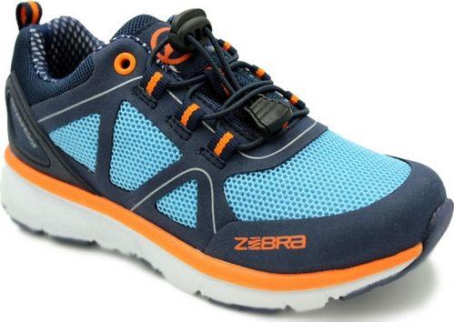 Кроссовки для мальчика Зебра, цвет: синий, голубой. 12304-19. Размер 3612304-19Комфорт и максимальное удовольствие от использования – это модные, стильные, яркие, оригинального дизайна кроссовки ТМ Зебра.Верх и подкладка из натуральных, комбинированных, инновационных и высокопрочных сетчатых материалов, которые обеспечивают дышащий эффект и гарантируют оптимальный микроклимат внутри.Анатомическая профилированная двухслойная вкладная стелька, шнурки, прочный задник и подносок, высокотехнологичная подошва дают правильное, удобное и безопасное расположение стопы, предотвращающее развитие плоскостопия и каких-либо деформаций.Светоотражатели - блестящие швы и вставки - дополнительная возможность обеспечения безопасности ребенка на улице.