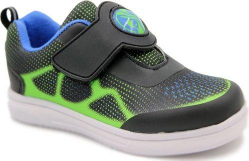 Кроссовки для мальчика Зебра, цвет: черный. 12288-1. Размер 2612288-1Комфорт и максимальное удовольствие от использования – это модные, стильные, яркие, оригинального дизайна кроссовки ТМ Зебра.Верх и подкладка из натуральных, комбинированных, инновационных и высокопрочных сетчатых материалов, которые обеспечивают дышащий эффект и гарантируют оптимальный микроклимат внутри.Анатомическая профилированная двухслойная вкладная стелька, застежка велькро, прочный задник и подносок, высокотехнологичная подошва дают правильное, удобное и безопасное расположение стопы, предотвращающее развитие плоскостопия и каких-либо деформаций.Светоотражатели - блестящие швы и вставки - дополнительная возможность обеспечения безопасности ребенка на улице.