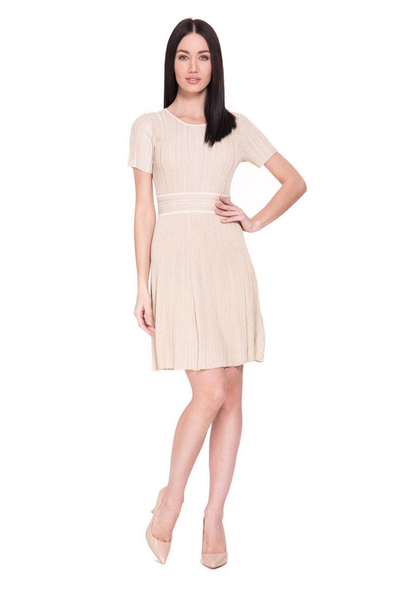 Платье Lusio, цвет: бежевый. SK18-020369. Размер M (44/46)SK18-020369Стильное платье от Lusio выполнено из вискозы с добавлением полиэстера. Модель с круглым вырезом горловины и короткими рукавами, дополнена на талии эластичным поясом.