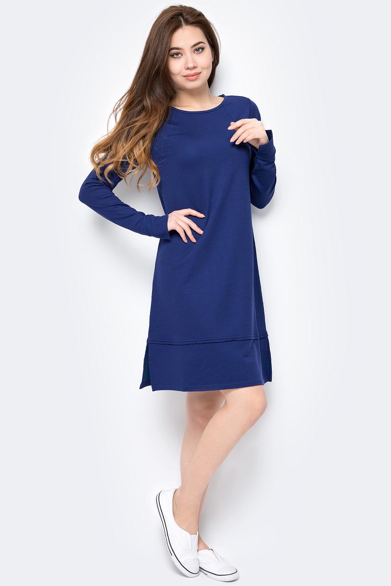 Платье United Colors of Benetton, цвет: синий. 3XQ3V10D6_1Z7. Размер XS (40/42)3XQ3V10D6_1Z7Лаконичное платье от United Colors of Benetton из плотного трикотажа с махровой внутренней отделкой, разрезы по бокам. Модель с длинными рукавами и круглым вырезом горловины.