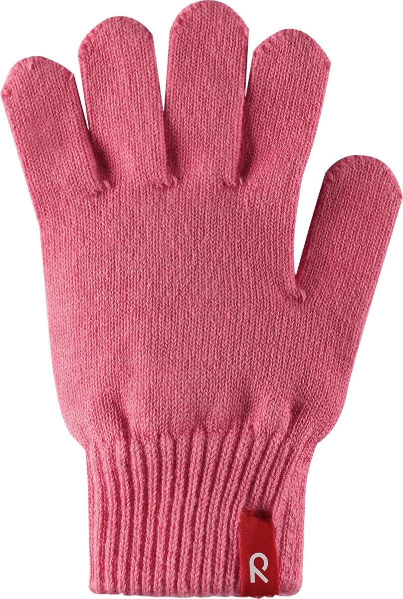 Перчатки детские Reima Klippa, цвет: пепельно-розовый. 5272603290. Размер 15272603290Перчатки для малышей и детей постарше выполнены из эластичного хлопчатобумажного трикотажа, дающего ощущение легкости и комфорта поздней весной и ранней осенью. Они идеально подойдут для поддевания под водонепроницаемые варежки и перчатки. Изготовлены из хлопчатобумажного трикотажа высокого качества и легко стираются в стиральной машине.