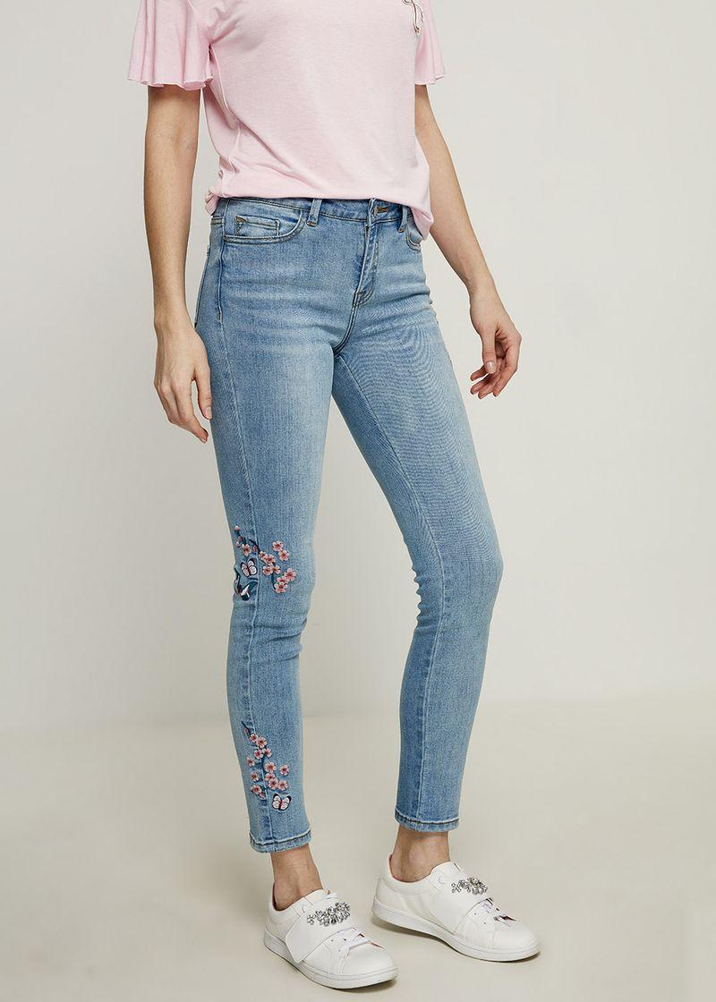 Джинсы женские Zarina, цвет: голубой. 8224441741102. Размер 42 джинсы женские zarina цвет синий 8224437737103 размер 42