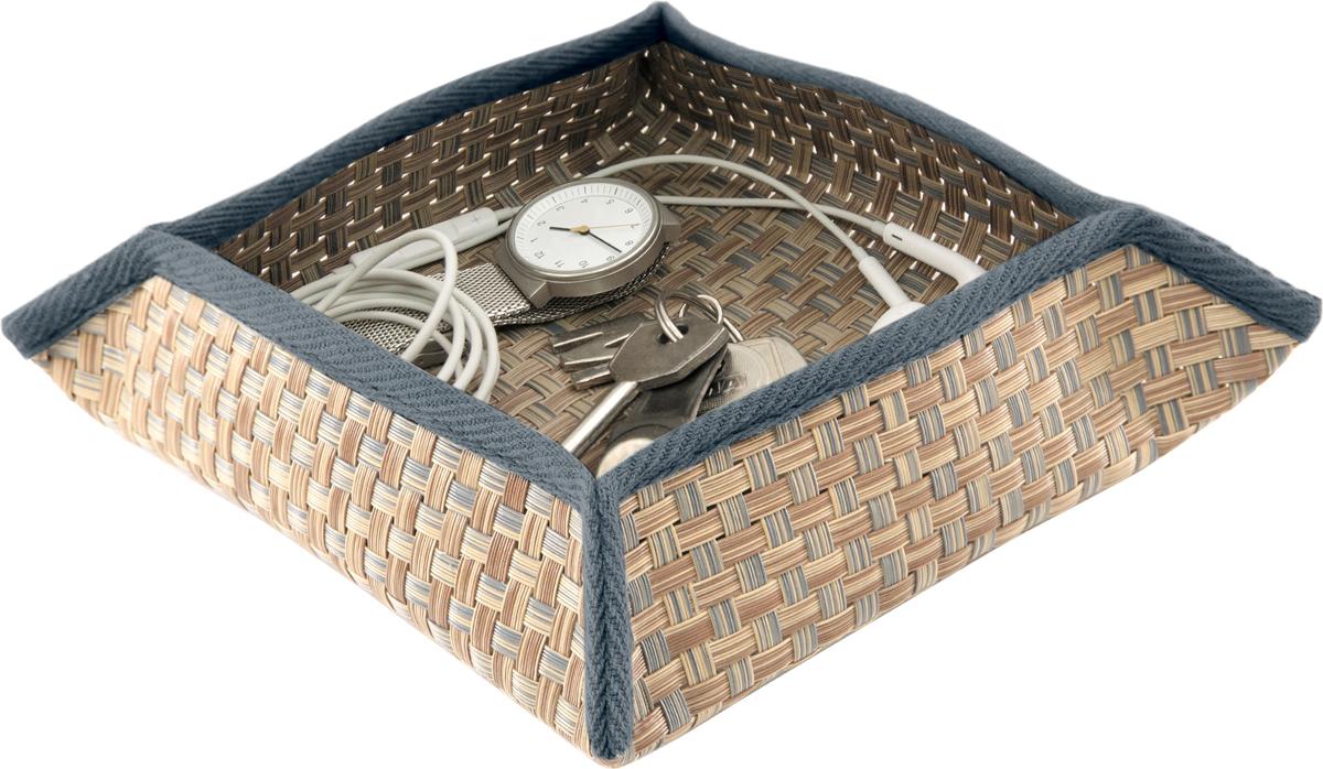 Лоток для ключей Casy Home, цвет: коричневый, 16 x 16 x 5 смAB-011Лоток для ключей, изготовлен из текстилена в дизайне ротанг самой высокой плотности, что позволяет сохранять форму без помощи дополнительных вставок. Лоток поставляется в спрессованном виде и востанавливает форму после вкрытия в теплой комнате в течении нескольких часов. Срок годности не ограничен.