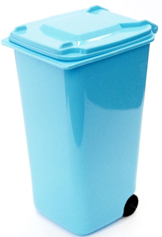 Подставка для столовых приборов Карамба Мусорный контейнер, цвет: голубой, 11 x 7 cм3909Подставка для столовых приборов Карамба Мусорный контейнер поразит любого своейэлегантностью и практичностью. Этот незаменимый кухонный аксессуар обеспечит столовымприборам сушку и хранение, а также станет прекрасным украшением вашего рабочего кухонногопространства.