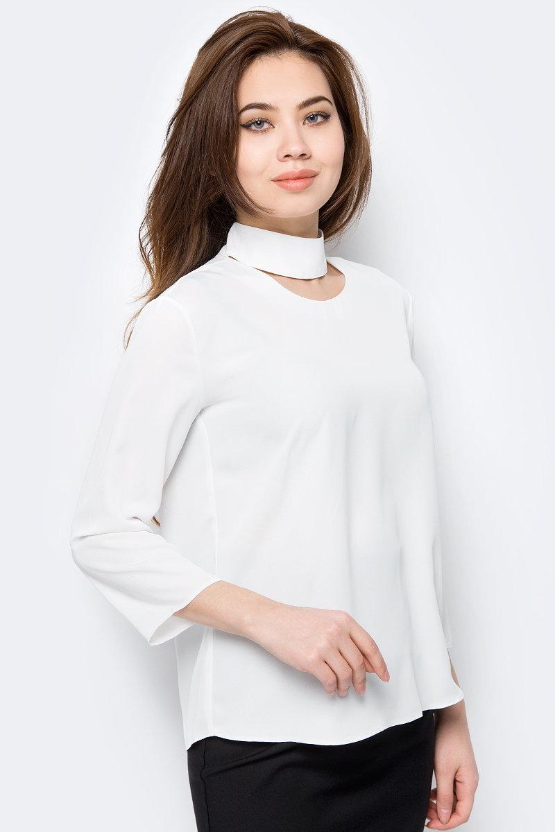 Блузка женская adL, цвет: белый. 11533831000_019. Размер L (46/48)11533831000_019Женская блузка от adL выполнена из полиэстера. Модель с рукавами 3/4, круглым вырезом горловины и воротником-чокером на спинке застегивается на пуговицы.