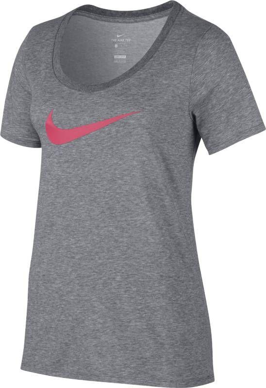 Футболка женская Nike Dry Training T-Shirt, цвет: серый. 894663-091. Размер S (42/44)894663-091Женская футболка для тренинга Nike Dry из влагоотводящей ткани обеспечивает функциональность для эффективных тренировок. Женский силуэт с круглым вырезом и стандартной посадкой выгодно подчеркивает фигуру и обеспечивает повышенный комфорт. Технология Dri-FIT обеспечивает вентиляцию и комфорт. Горловина из рубчатой ткани для удобной посадки.