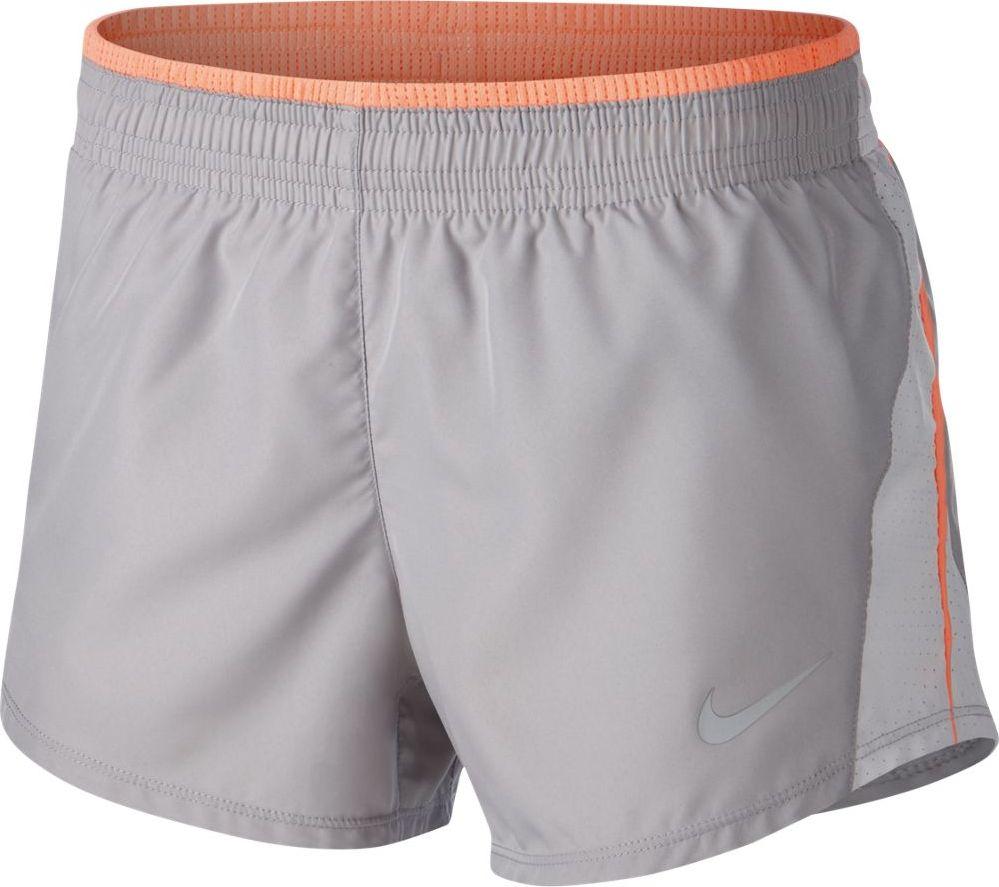 Шорты женские Nike 10K Running Shorts, цвет: серый. 895863-027. Размер XS (40/42)895863-027Женские беговые шорты Nike 1K обеспечивают охлаждение во время энергичной пробежки. Шаговый шов и пояс с резинкой обеспечивают комфортную посадку, чтобы ничто не отвлекало от тренировки. Ткань Nike Dry отводит влагу и обеспечивает комфорт. Шаговый шов длиной 9 см для защиты и полной свободы движений. Регулируемая комфортная посадка благодаря эластичному поясу с утягивающим шнурком. Внутренний карман в поясе для удобного хранения. Swoosh на левой штанине выполнен в технике термопечати.