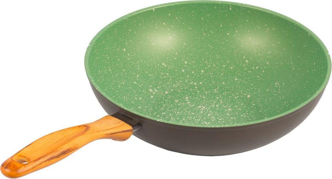 Сковорода Вок Giannini Vegetalia, цвет: зеленый, 3 л. Диаметр 28 см6569Антипригарное покрытие на водной основе — 5 слоев. Внешние слои устойчивы к пятнам и высоким температурам. Запатентованное покрытие Ollia-tech — эта смесь растительных масел в составе покрытия улучшает антипригарные свойства и делает поверхность гладкой, без пористости. Минеральные частицы, добавленные в покрытие, гарантируют повышенную устойчивость к истиранию. Ручки из смолы, с эффектом оливкового дерева, устойчивы к мытью в посудомоечной машине. Без кислоты (PFOA FREE). Сделано в Италии. Подходит для всех типов плит. Не применять агрессивных моющих и абразивных средств. Протирать мягкой влажной тканью.
