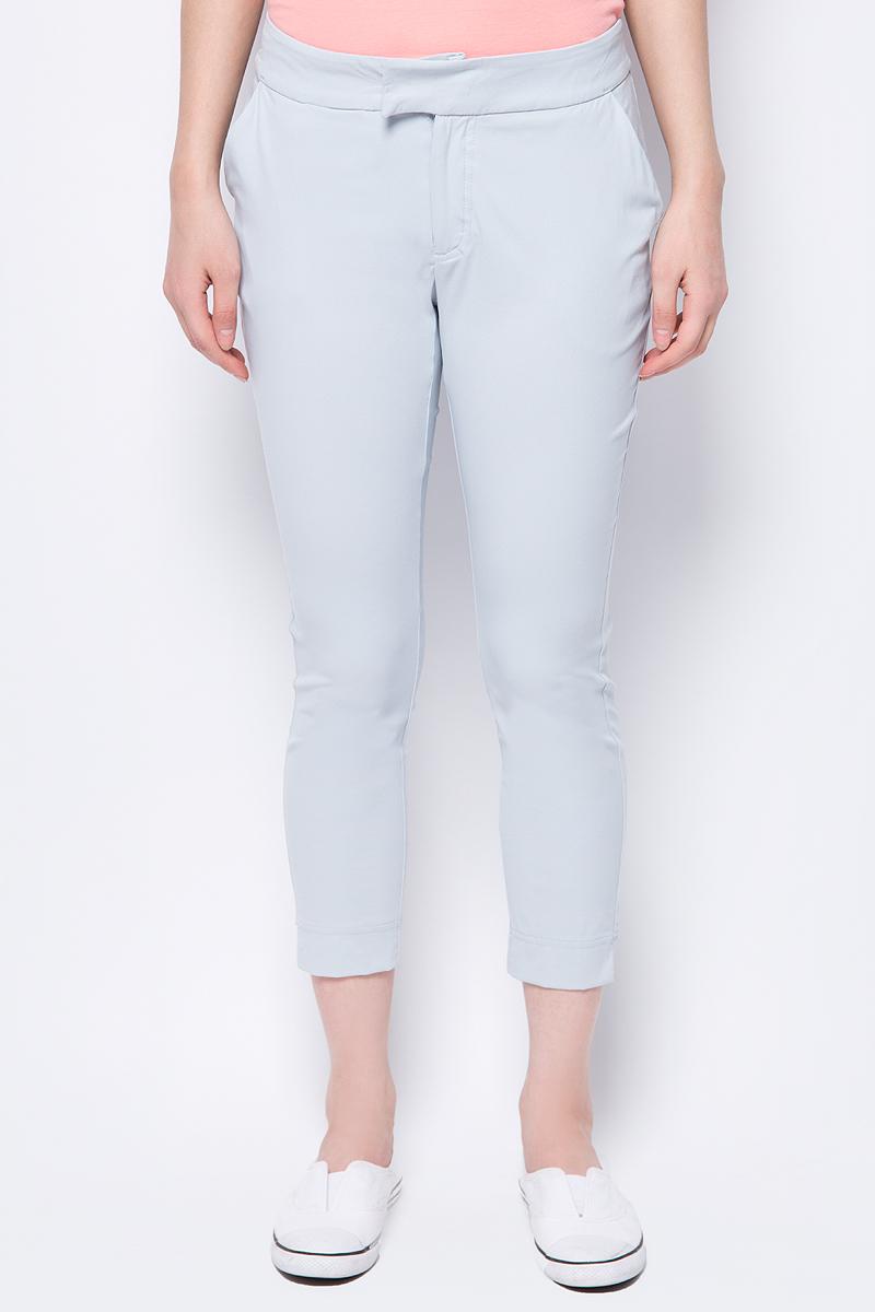 Брюки женские Columbia Armadale II Ankle Pant, цвет: серый. 1765971-031. Размер 6 (46)1765971-031Женские зауженные брюки Columbia из быстросохнущего нейлона прекрасно подойдут для активного времяпрепровождения на природе. Модные и в тоже время комфортные брюки послужат отличным дополнением к вашему гардеробу. В них вы всегда будете чувствовать себя уютно и комфортно.