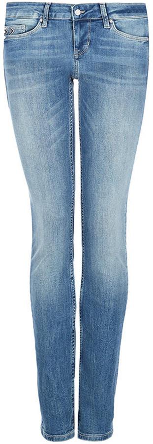 Джинсы женские Mustang Jasmin, цвет: синий. 1005267-5000-234. Размер 26-32 (42-32) джинсы mustang 1005650 5000 314