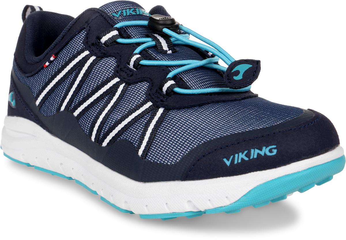 Кроссовки детские Viking Kollen, цвет: серый, бирюзовый. 3-47670-00504. Размер 283-47670-00504Кроссовки от Viking, выполненные из дышащего текстиля, оформлены декоративной тесьмой, эмблемой и названием бренда. Модель на подъеме дополнена шнуровкой, обеспечивающей надежную фиксацию обуви на ноге. Подкладка и стелька из полиэстера обеспечат комфорт при носке. Облегченная подошва из вспененного полимера оснащена рифлением, что повышает сцепление с любым покрытием, улучшает амортизацию и поглощает удары. Яркие модные кроссовки - незаменимая вещь в гардеробе вашего ребенка.