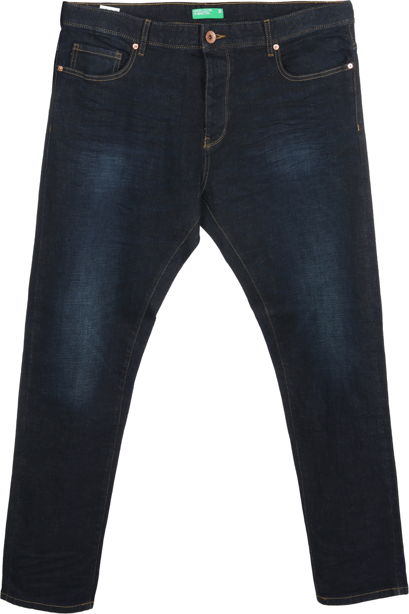 Джинсы мужские United Colors of Benetton, цвет: синий. 4XW0579G8_901. Размер 38 (52/54)4XW0579G8_901Джинсы от United Colors of Benetton выполнены из эластичного хлопкового денима. Модель в поясе застегивается на пуговицу, имеет ширинку на молнии и шлевки для ремня. По бокам джинсы дополнены втачными карманами и одним маленьким накладным кармашком, сзади - накладными карманами.