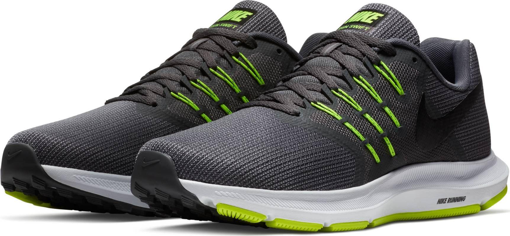 Кроссовки для бега мужские Nike Run Swift Running Shoe, цвет: серый. 908989-007. Размер 9 (41,5)908989-007Мужские беговые кроссовки Nike Run Swift идеально сидят на ноге благодаря дышащей сетке в передней части стопы и на пятке и сетке с плотным переплетением в средней части стопы для поддержки. Интегрированные нити Flywire надежно фиксируют среднюю часть стопы, а пеноматериал Cushlon создает амортизацию. Конструкция из сетки обеспечивает зональную вентиляцию и поддержку. Шнурки с интегрированными нитями Flywire для регулируемой поддержки. Подошва с вафельным рисунком повышает амортизацию и упругость. Сетка с плотным плетением на боковой части создает надежную поддержку, не жертвуя воздухопроницаемостью. Пеноматериал Cushlon обеспечивает мягкую, но упругую амортизацию и поддержку.