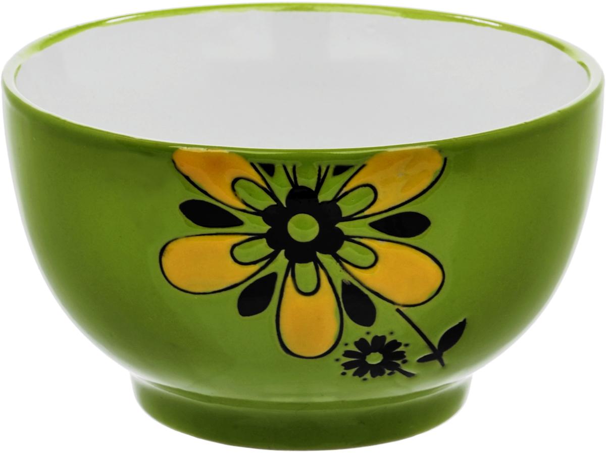 """""""Wing Star"""" - качественная керамическая посуда из обожженной, глазурованной глины с оригинальными декорами.   При изготовлении данной посуды широко используется рельефный способ нанесения декора, когда рельефная поверхность подготавливается в процессе формовки и изделие обрабатывается с уже готовым декором. Благодаря этому достигается эффект неровного на ощупь рисунка, как бы """"утопленного"""" внутрь глазури и являющегося его естественным элементом. Все это придает посуде монолитность и органическую цельность. Ощущение естественности происхождения керамической посуды. Именно: не была создана путем последовательных технологических этапов - подготовки, формовки, сушки, обжига, глазурования - а существовала в таком виде всегда."""