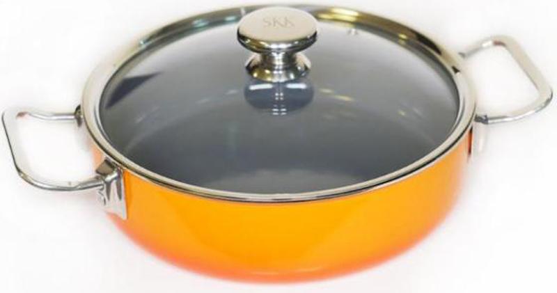 """Сотейник """"Series 8"""" от известного германского бренда SKK изготовлен из высококачественного алюминия. Эмалевое покрытие экологично и безопасно, а прозрачная крышка позволит следить за процессом приготовления без потери тепла. Подходит для индукционных плит. Диаметр: 28 см. Высота стенок: 8 см."""