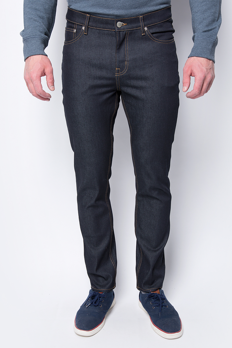 Джинсы мужские Cheap Monday, цвет: синий. 0408333. Размер 33-32 (50/52-32)0408333_UNWASHEDМужские джинсы от Cheap Monday выполнены из высококачественного материала. Джинсы зауженного кроя и стандартной посадки застегиваются на пуговицу в поясе и ширинку на застежке-молнии, дополнены шлевками для ремня. Джинсы имеют пятикарманный крой: спереди модель дополнена двумя втачными карманами одним маленьким, сзади - двумя накладными карманами.