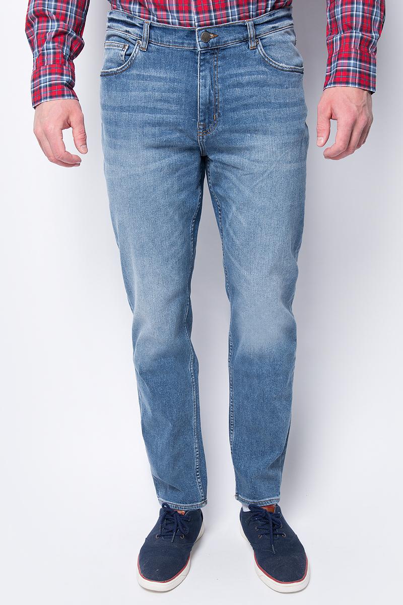 Джинсы мужские Cheap Monday, цвет: синий. 0578607. Размер 32-32 (50-32)0578607_BLUEМужские джинсы от Cheap Monday выполнены из высококачественного материала. Джинсы прямого кроя и стандартной посадки застегиваются на пуговицу в поясе и ширинку на застежке-молнии, дополнены шлевками для ремня. Джинсы имеют пятикарманный крой: спереди модель дополнена двумя втачными карманами одним маленьким, сзади - двумя накладными карманами.