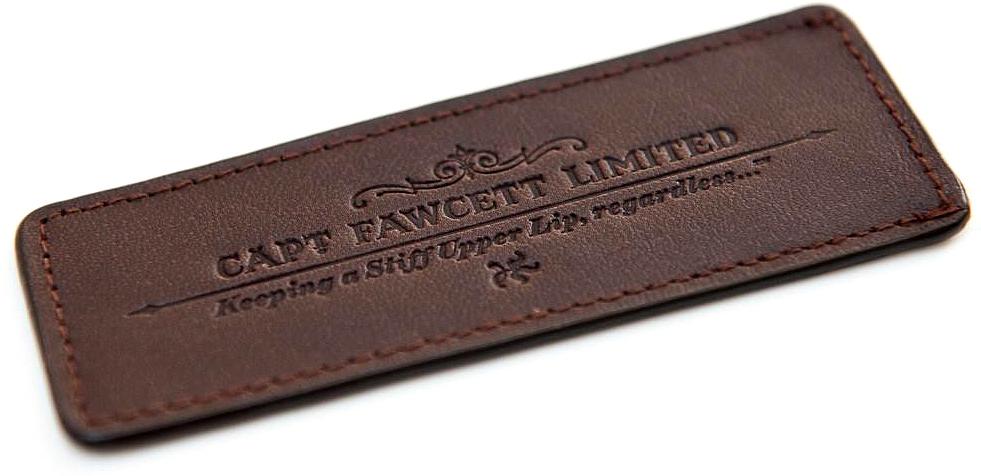 цена Captain Fawcett Чехол для расчески для бороды