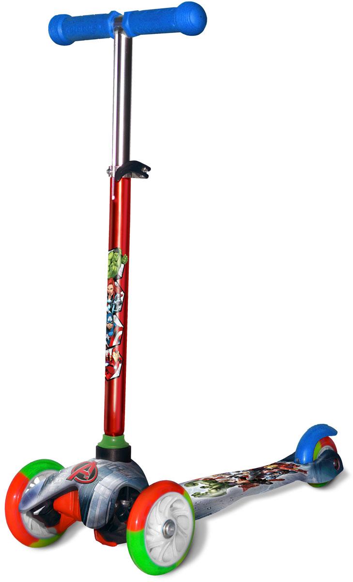 Самокат 1 Toy Marvel, 3-колесный. Т11420Т11420Самокат трёхколёсный 1TOY подходит для детей от 3 до 8 лет. Платформа,рама выполнены из нейлона и пластика, руль самоката выполнен из лёгкогоалюминиевого сплава. Регулируемый руль (до 51 см), имеет три уровняфиксации. Полиуретановые колеса со светом легко и быстро крутятся, чтообеспечивает хорошую управляемость и скорость самоката. Диаметрпередних колес 2х110 мм, заднего 80 мм. Платформа для ног с нескользящим покрытием и яркой наклейкой. Ширина платформы: 11 см.Максимальная нагрузка на самокат трёхколёсный 1TOY 30 кг.Изображения товара, включая цвет, могут немного отличаться от реальноговнешнего вида. Комплектация также может быть изменена производителембез предварительного уведомления. Описание не является публичнойофертой. Убедительно просим вас при выборе модели проверять наличиежелаемых функций и характеристик.Материал: алюминий, нейлон, пластик Размер самоката (см): 54 х 11 х 67(51) Масса самоката (кг): 1,8 Индивидуальная цветная упаковка Материал колес: полиуретан Колеса: передние со светом Тормоз.