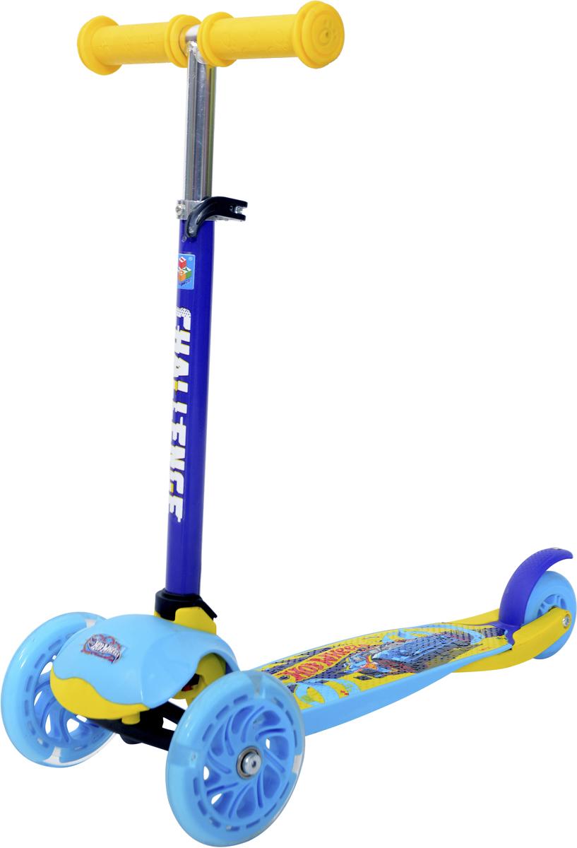 Самокат 1 Toy Hot Wheels, 3-колесный. Т11424Т11424Самокат трёхколёсный 1TOY подходит для детей от 3 до 8 лет. Платформа,рама выполнены из нейлона и пластика, руль самоката выполнен из лёгкогоалюминиевого сплава. Узел складывания сделан из алюминия и безопасногопластика. Регулируемый руль (до 49 см), имеет три уровня фиксации.Полиуретановые колеса со светом легко и быстро крутятся, чтообеспечивает хорошую управляемость и скорость самоката. Диаметрпередних колесо 120 мм, заднего 90 мм. Платформа для ног с нескользящим покрытием и яркой наклейкой, ширина платформы: 12 см.Максимальная нагрузка на самокат трёхколёсный 1TOY 30 кг.Изображения товара, включая цвет, могут немного отличаться от реальноговнешнего вида. Комплектация также может быть изменена производителембез предварительного уведомления. Описание не является публичнойофертой. Убедительно просим вас при выборе модели проверять наличиежелаемых функций и характеристик.Материал: алюминий, пластик, нейлон Размер самоката (см): 55 х 12 х 65(49) Масса самоката (кг): 1,9 Индивидуальная цветная упаковка Материал колес: полиуретан Колеса: передние со светом Тормоз.
