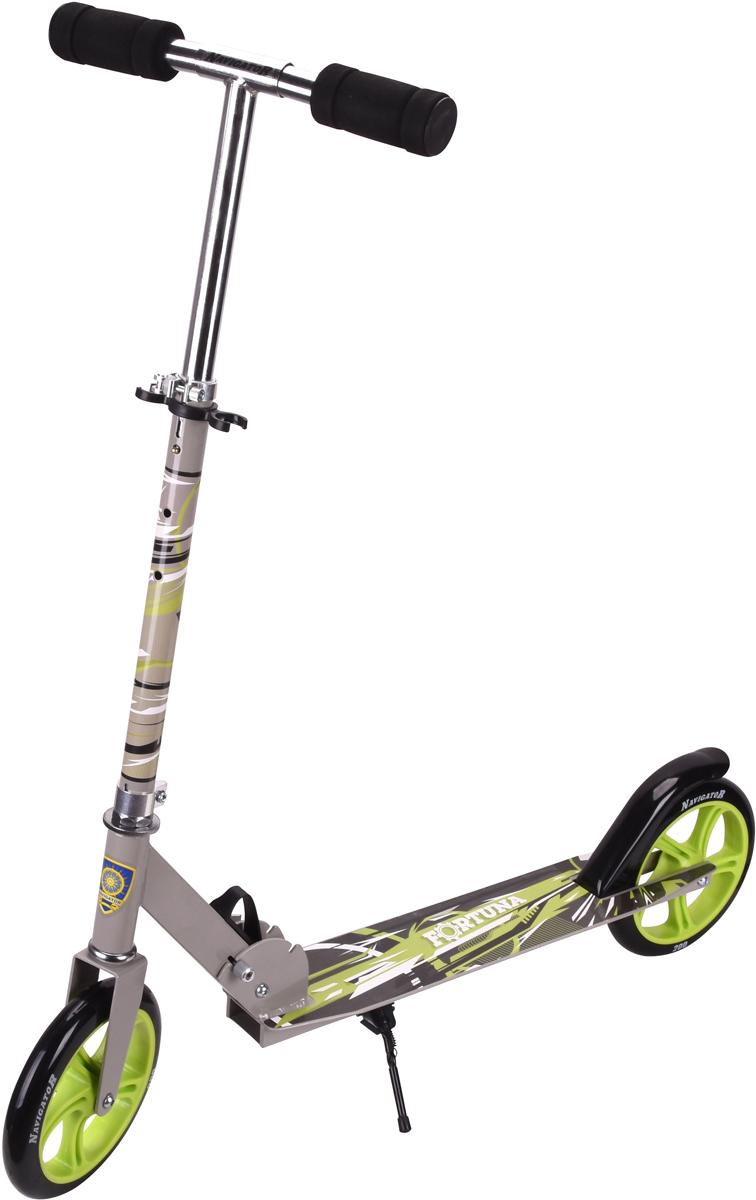 Самокат 1 Toy Navigator, 2-колесный. Т59973Т59973Самокат Navigator подходит для детей от 5 до 14 лет. Руль самокатавыполнен из лёгкого алюминиевого сплава. Узел складывания сделан изалюминия и безопасного пластика. Регулируемый руль (до 73 см), имеет триуровня фиксации. Полиуретановые колеса легко и быстро крутятся, чтообеспечивает хорошую управляемость и скорость самоката. Диаметрпередних и задних колес 200 мм, жесткость 82А, подшипники ABEC-7.Платформа для ног с не скользящим покрытием и яркой наклейкой, ширинаплатформы: 11 см. Максимальная нагрузка на самокат 100 кг.Изображения товара, включая цвет, могут отличаться от реального внешнеговида. Комплектация также может быть изменена производителем безпредварительного уведомления. Описание не является публичной офертой.Убедительно просим вас при выборе модели проверять наличие желаемыхфункций и характеристик.Материал: алюминий, сталь Размер самоката (см): 87 х 11 х 93(73) Масса самоката (кг): 3,8 Индивидуальная цветная упаковка Материал колес: полиуретан Подножка Тормоз.