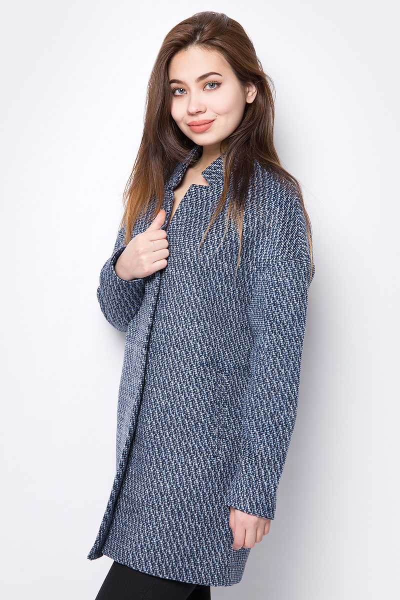 Пальто женское Sela, цвет: черный, голубой. Ce-126/1041-8162. Размер M (46) эротическое белье женское avanua celia цвет черный 03574 размер s m 42 44