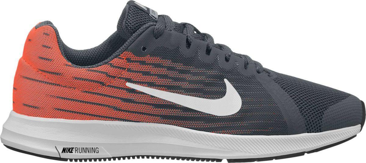 Кроссовки для мальчика Nike Downshifter 8, цвет: черный, оранжевый. 922853-003. Размер 7Y (39)922853-003Максимальная мягкость и плавность движений. Беговые кроссовки для мальчиков Nike Downshifter 8 в минималистичном стиле из легкой однослойной сетки с обновленной амортизирующей стелькой — еще более мягкой, чем в предыдущих версиях. В сочетании с эластичными желобками и резиновой подметкой это обеспечивает плавную амортизацию. Верх из легкой сетки обеспечивает вентиляцию и комфорт. Обновленная подошва для мягкой и упругой амортизации. Полноразмерная резиновая подметка для оптимального сцепления с поверхностью, прочности и амортизации. Эластичные желобки обеспечивают естественную свободу движений от носка до пятки.