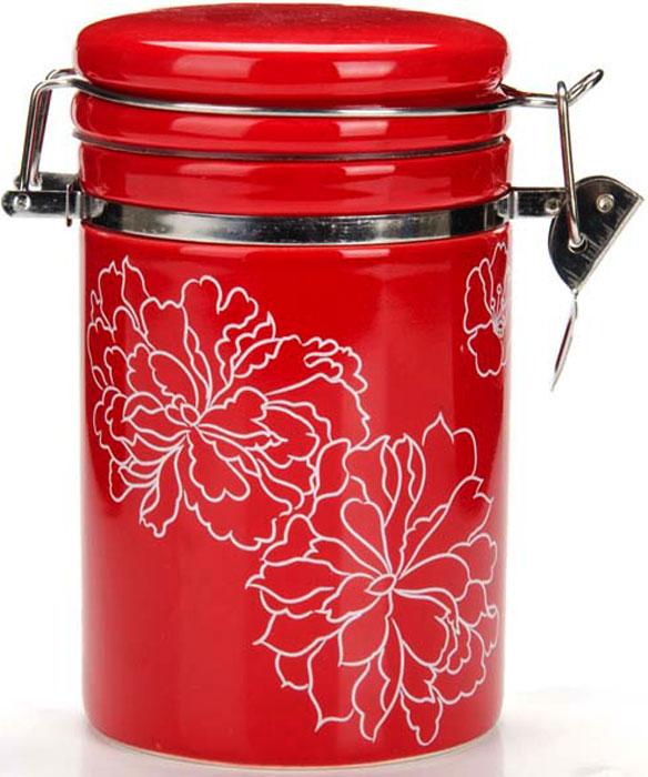 Банка герметичная Loraine Красный узор, 700 мл. 2583525835Банка для сыпучих продуктов (герметичный контейнер) LORAINE изготовлена из прочной БИО и ЭКО доломитовой керамики красного цвета с белыми цветами. Банка прекрасно подойдет для хранения различных сыпучих продуктов: специй, чая, кофе, сахара, круп и многого другого. Крышка герметично закрывается с помощью металлического зажима-клипсы, дольше сохраняя свежесть продуктов. Гладкая и ровная поверхность обеспечивает легкую очистку. Такая банка не только сэкономит место на вашей кухне, но и украсит интерьер. Оригинальный дизайн и красивое оформление позволит сделать ее отличным подарком на любой праздник. Подходит для использования в холодильнике. Подходит для мытья в посудомоечной машине.